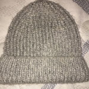 Accessories - Gray knitted beanie